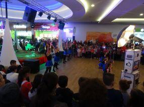 Cîtiva dansatori de la Palatul Copiilor Galati - piesa de rezistentă a petrecerii