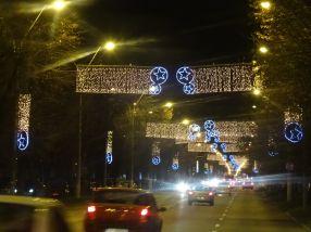 Pe Cosbuc deja au fost aprinse luminitele de sărbători