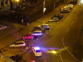 Locurile libere de parcare de la Romarta au fost blocate pentru masinile smecherilor din PSD Galati