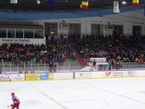 Au fost destul de multi spectatori în tribunele Patinoarului Galati