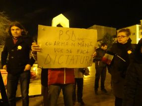 PSD cu arma-n mînă vrea să facă dictatură!