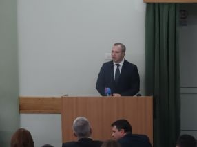 Primarul Ionut Pucheanu admite că gălătenii nu au prea multe motive ca să mai rămînă în Galati