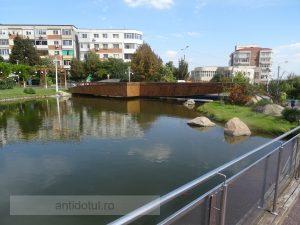 Podul din Parcul Viva nu a rezistat decît doi ani și jumătate