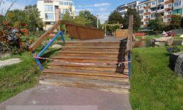 Podul lui Marius Stan a crăpat (foto)