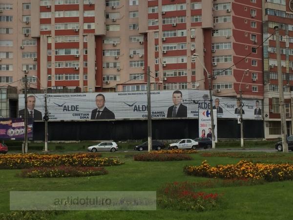La cît s-a ramolit, ALDE Durbacă nu mai încape nici măcar pe afișele (ne)electorale