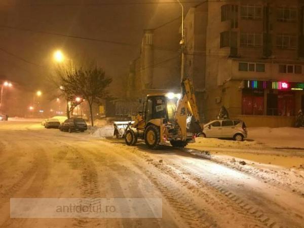 """Cu ocazia celui de-al doilea val de frig, Primăria Galați vă urează: """"Transport gratuit!"""""""