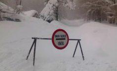 Iarna pe uliță, varianta de Covurlui: în județ s-au închis drumuri și au fost pene de curent
