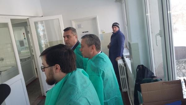 La Secția de Pediatrie a Spitalului din Tecuci există apă caldă, mizerie și scandal. Pe bune?