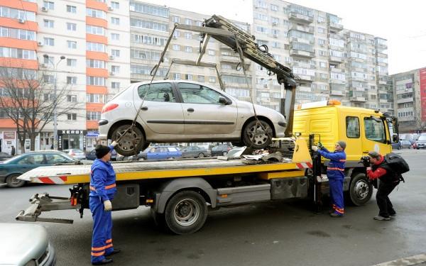 La Galați nu se ridică mașinile parcate neregulamentar. Deocamdată!