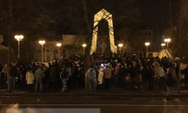 Peste 200 de gălățeni au protestat în fața Prefecturii (video)