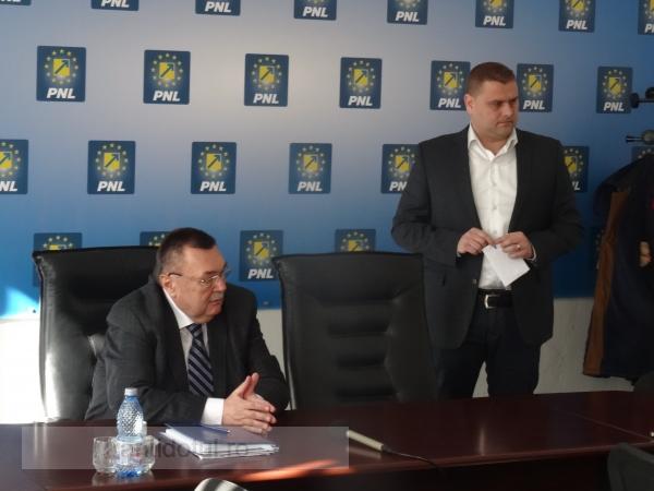 George Stângă a cîștigat alegerile care vor avea loc peste 2 luni, în PNL Galați (video)