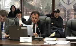 Primarul Pucheanu nici usturoi n-a mîncat, nici cu Picu se jură că nu s-a pupat. Mai ales că nici măcar nu l-a votat (video)