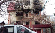 Un incendiu i-a pus pe jar pe polițiști: un viloi din Galați a ars chiar înainte să ajungă pe mîna cămătarilor