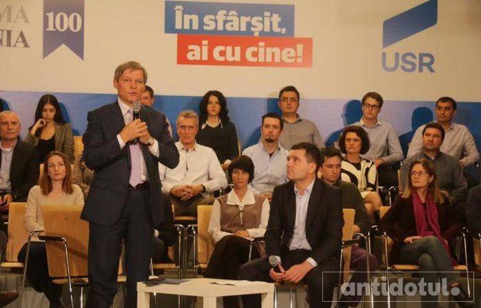 Intrarea lui Cioloș în USR ar putea să însemne moartea PNL