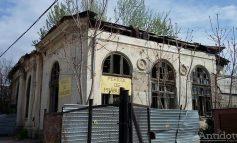 I se spune Casa de Italia, arată ca în Somalia și este la vînzare. Ambasada Italiei scoate la licitație o clădire din Galați
