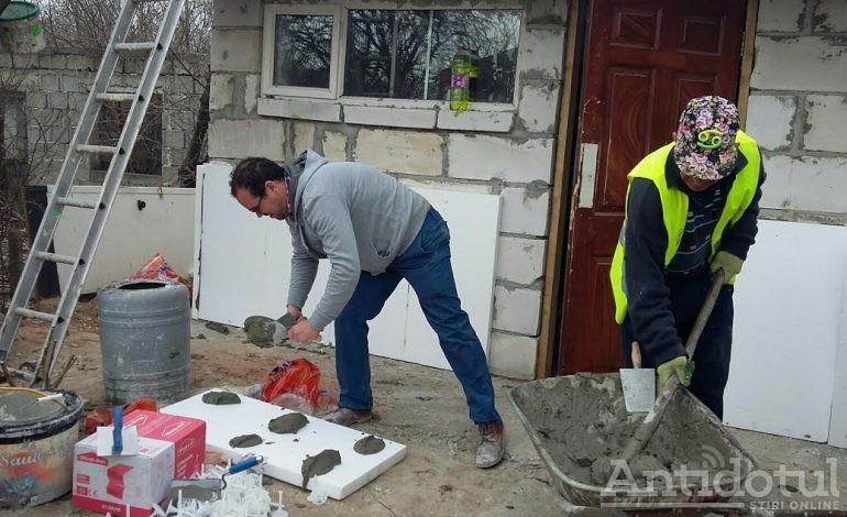 Se întîmplă și lucruri bune la Galați: o bătrînă din Nicorești a primit cadou de Paște o casă nouă