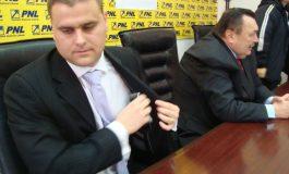 Liberalul George Stângă - un impostor atîrnat la banul public, cu vilă la Vânători