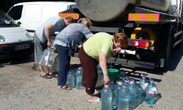 Mama Africa: sute de gălățeni se alimentează zilnic de la cisterna cu apă a societății Apă Canal