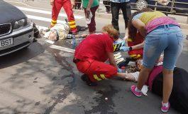 Ticălos sau prost? A lovit doi bătrîni pe trecerea de pietoni și a fugit abandonîndu-și mașina la locul accidentului