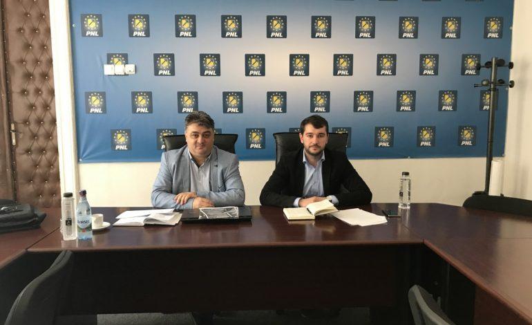 """Liberalul Onuț Atanasiu: """"cred că Pucheanu este sabotat, că altfel nu-mi explic…"""""""