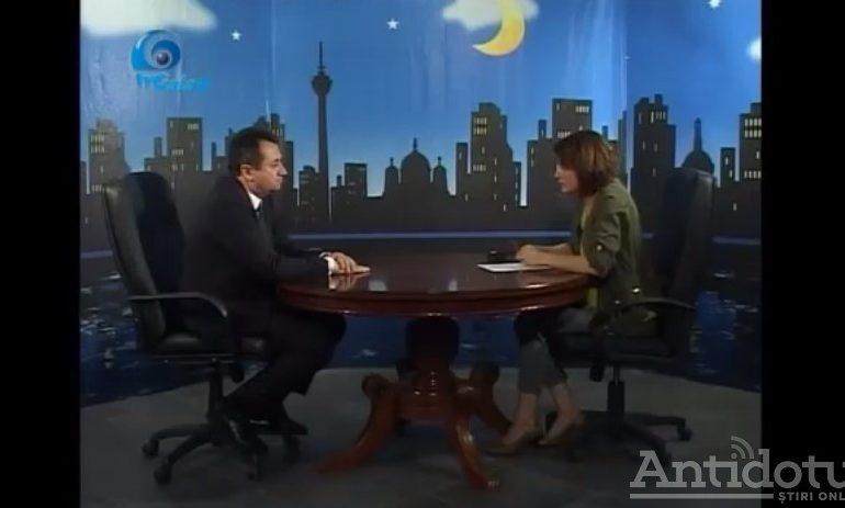 Pâslaru, discurs de retardat la TV Galați. Bonus: reacția slugarnică a moderatoarei Elena Parapiru (video)