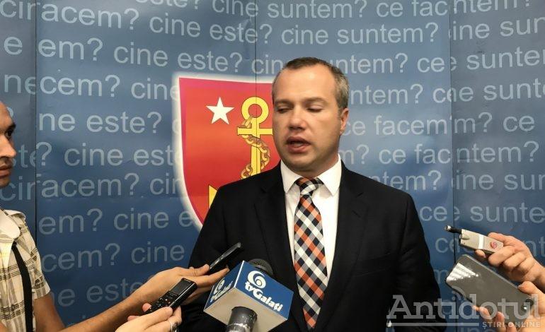 De frică să nu-i cadă codul fiscal în cap, primarul Ionuț Pucheanu a înghițit drobul de sare pus pe acoperișul PSD de premierul Tudose