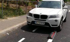 Asta-i bună! Dar de cînd a ajuns ditamai BMW-ul să elibereze pista destinată bicicliștilor din Galați?! (foto)