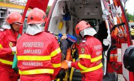 Au umplut un salon. Șase persoane au ajuns la spital după un accident de autocar produs în zona Berești