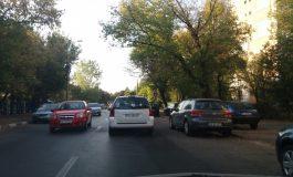 VIDEO Cum se blochează artificial traficul în Galaţi