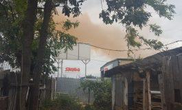 Galerie foto/Un nor roșiatic a apărut deasupra Galațiului: în oraș s-a vorbit despre un incident pe platforma siderurgică