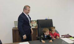 Cinci senzații nefirești pe care le-a experimentat primarul Pucheanu chiar la el în birou