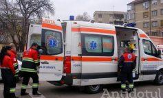 Un șofer de ambulanță, care consumase alcool, a lovit o mașină condusă de o femeie gravidă