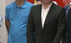 Pucheanu pus la colț, pe coji de trandafiri, de mentorul său politic