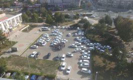 Se scumpește călătoria cu taxiul? Zeci de șoferi de la Samatax au făcut brainstorming la Păpădie