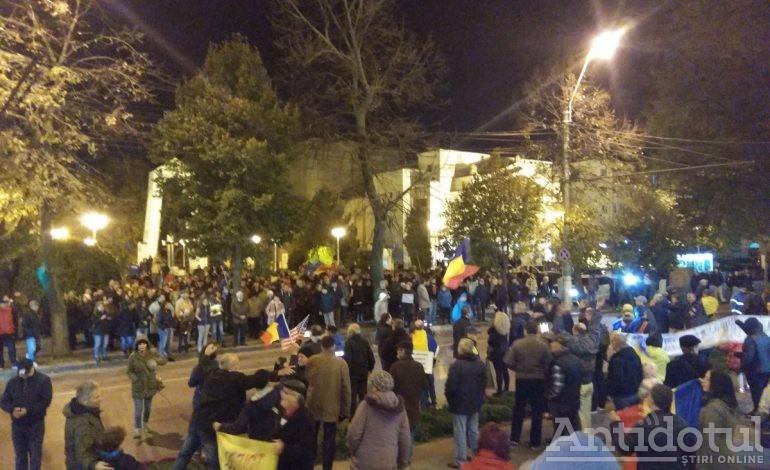 Au reînceput protestele antiguvernamentale pe tema justiției. Sute de gălățeni au ieșit în stradă