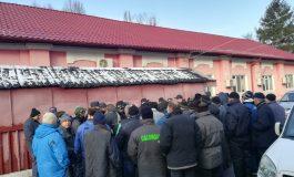 Se ţin lanţ protestele spontane de la Calorgal: luni dimineaţă, zeci de salariaţi au refuzat să lucreze