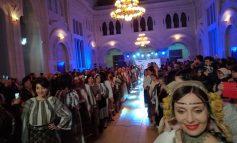 La Galați, ca-n New York și Shanghai: la universitate a avut loc o paradă de costume populare