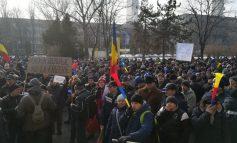 # Rezist la furnal: pe rețelele de socializare, angajații ArcelorMittal coc o revoltă