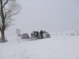Maşini blocate pe DJ251