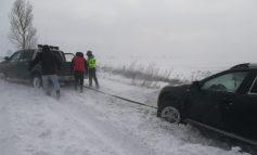 VIDEO/Iarna pe uliță: zăpada și viscolul au dat peste cap activitățile în județul Galați
