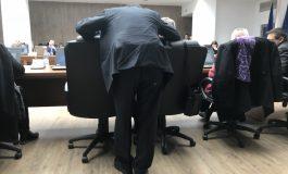 Antidotul lansează campania de strîngere de fuonduri: ajutați-l pe Pîslaru că a ajuns săracul să umble cu pantalonii rupți în cur