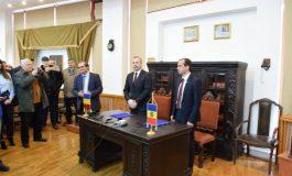VIDEO: Scandal! Un angajat al Muzeului de Istorie l-a acuzat pe directorul Căldăraru că a fost colaborator al securității