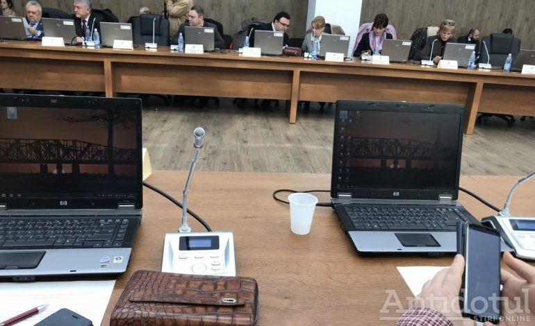 Antidotul.ro are dovada că pesediștii nu au scuipat în apa (de la robinet) servită la pahar liberalilor