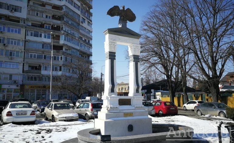 """Expoziției de fotografie cu ilustrarea monumentului """"Apărătorii Galațiului"""""""