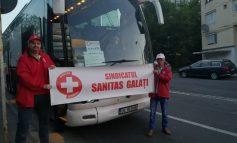 Galerie foto/Sute de angajați din spitalele gălățene participă la mitingul Sanitas de la București