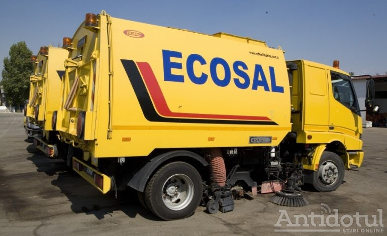 Video/Avem o veste bună pentru gălățeni: dacă îi speriați pe angajații Ecosal, ei vă spală mașina și vă fac curat prin casă!