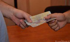 3.000 de euro, șpaga pentru angajarea într-un spital din Galați