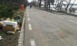 FOTO/ Faleza Dunării s-a umplut de gunoaie după Festivalul Scrumbiei