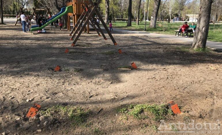 Primăria Galați transformă locurile de joacă în adevărate capcane periculoase