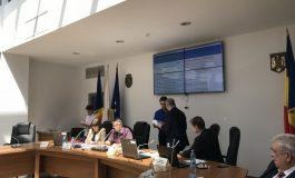 VIDEO: Pucheanu a primit cadoul care-l poate ajuta să nu mai fie un primar de nota 6
